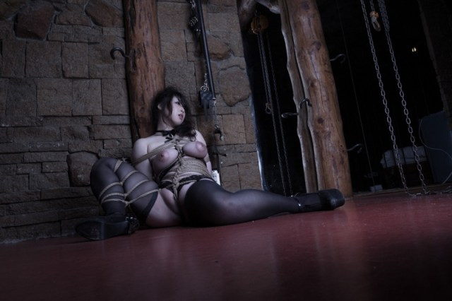Two new photo sets:  Hajime Kinoko Kinbaku Today 1