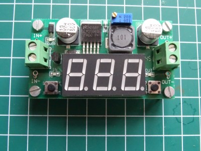 China Post –  LM2596 Step-Down Regler mit Voltmeter