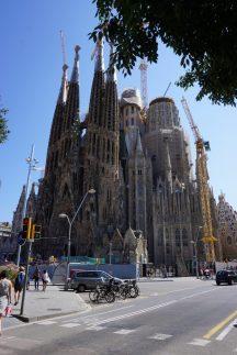 Sagrada Familia und Baukräne