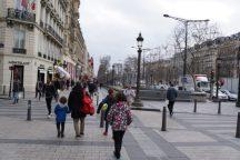 nicht viel los im Winter auf der Champs-Elysée