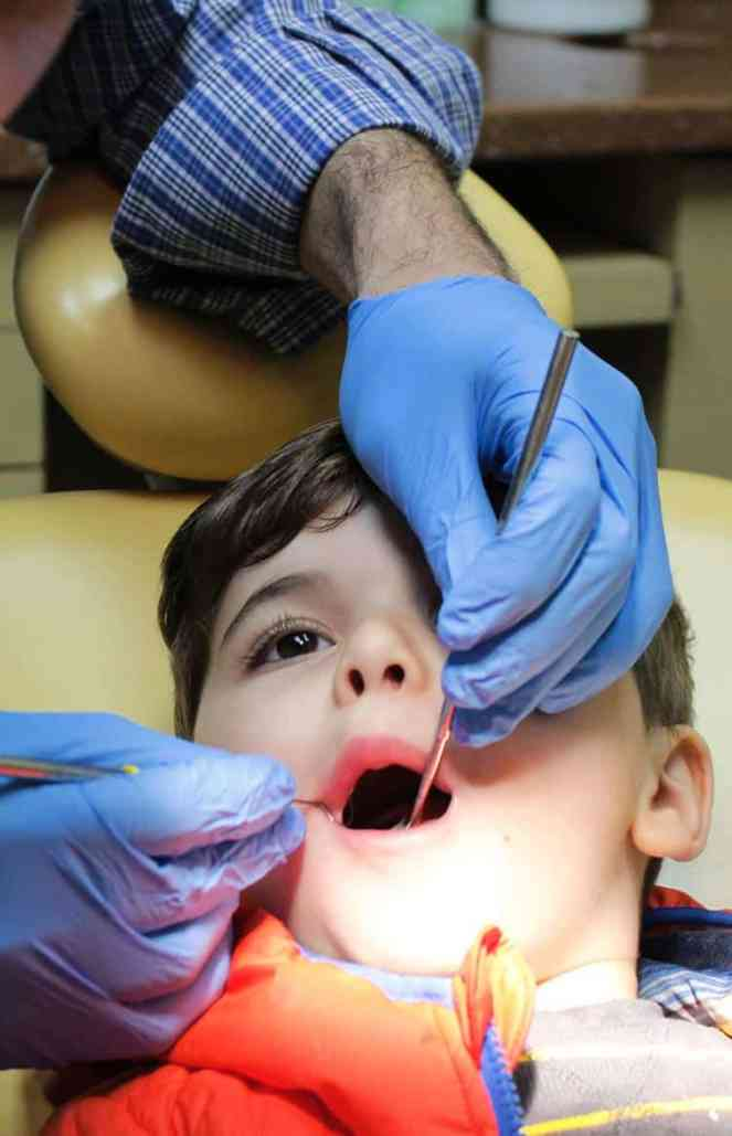 child dentist treatment