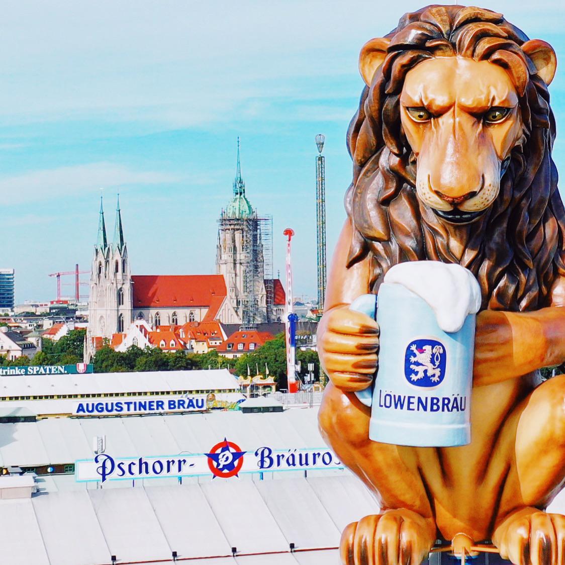 Die Wiesn - Oktoberfest - Löwenbräu Festzelt