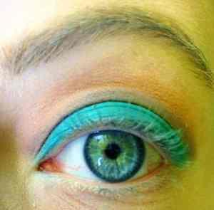 Gold & Turquoise Eye Makeup