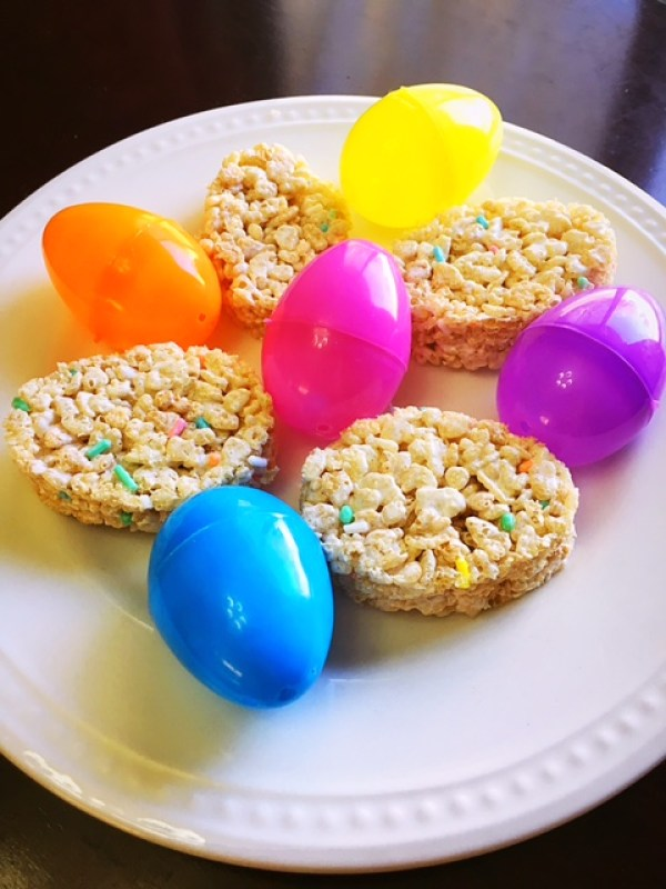 Easter Egg Rice Krispy Treats (9)