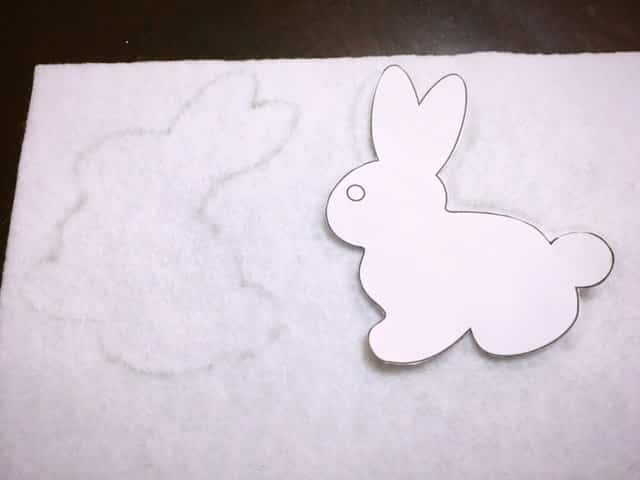 Easter Tile Door Hanger DIY (7)