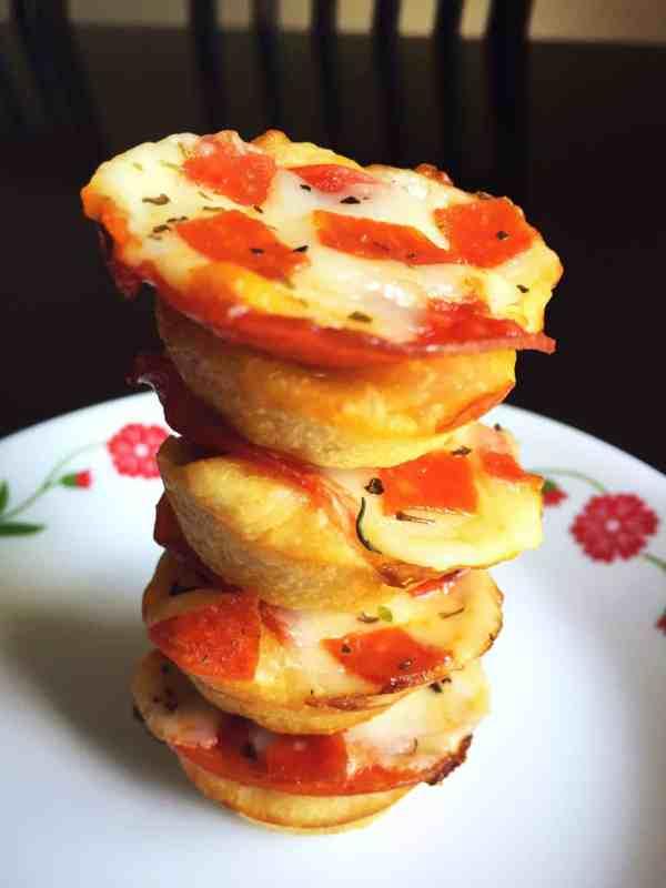Easy Mini Pepperoni Pizza Cups (6)