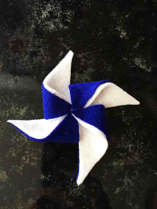 4th of July Pinwheel Wreath (5)