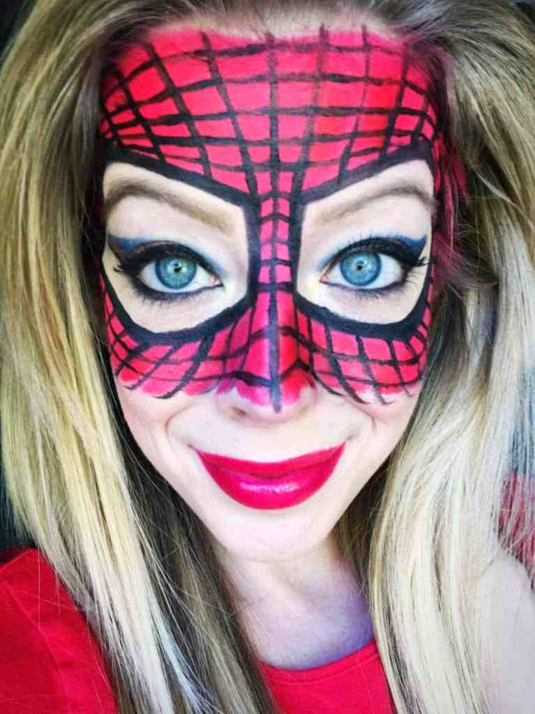Spiderman Makeup -These 5 Pretty + Easy Halloween Makeup Looks will inspire you to get creative with your makeup this year for Halloween. From pretty and girly to spooky and scary, these makeup looks are perfect for wearing to all your Halloween parties!