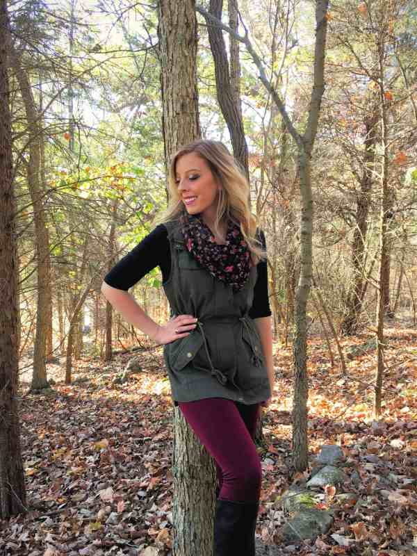 3-ways-to-style-a-utility-vest-for-fall-9