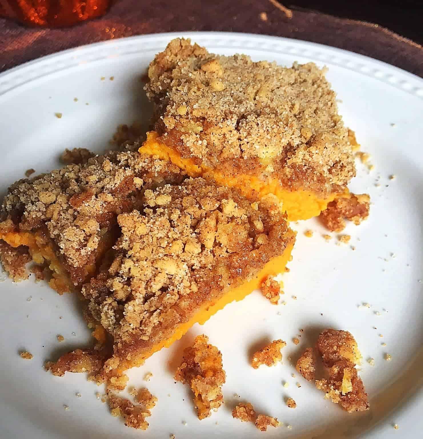 Easy Pumpkin Pie Streusel Bars