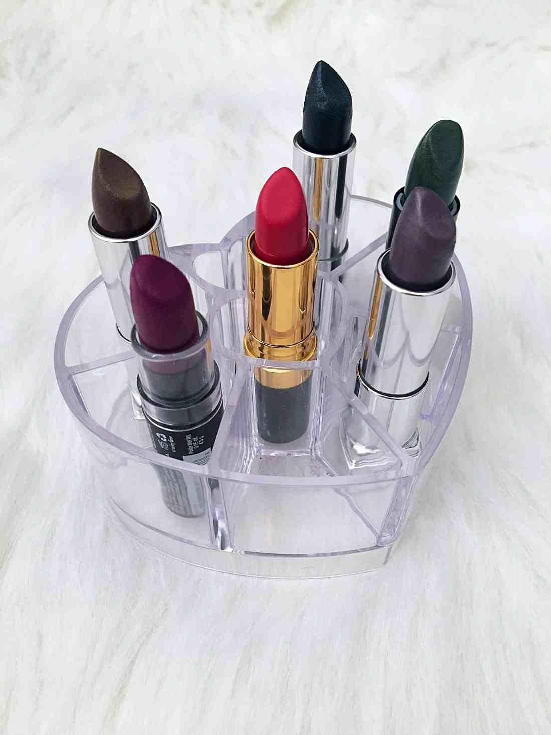 6 Tips for Wearing Bold Lipstick