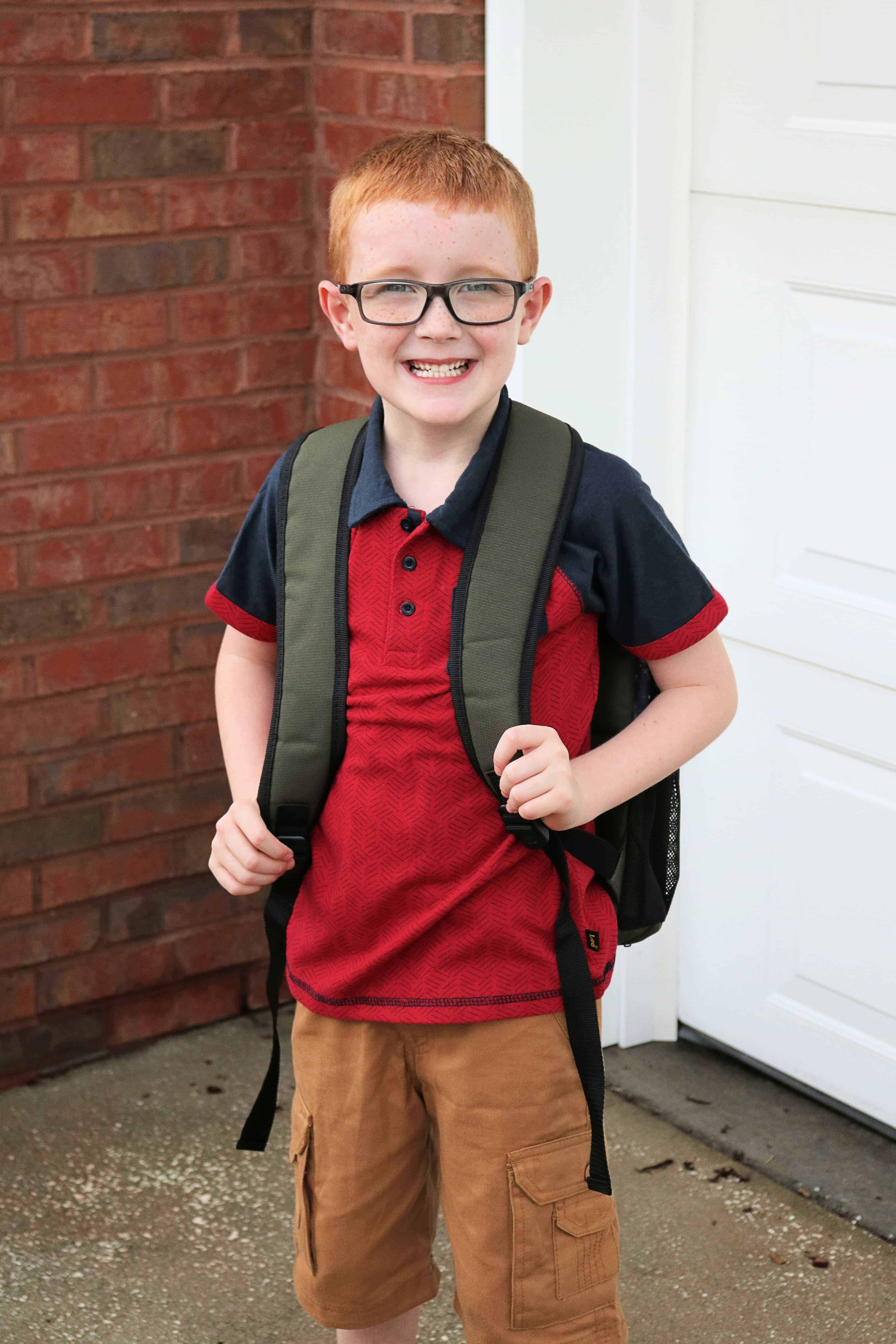 Looking for ways to save on back to school clothes shopping?Then check out my post on how I stay under budget and find everything my kids need for back to school by shopping at Bealls Outlet. Plus check out the cute first day of school outfits and backpacks my kids will be rocking this school year! #ad #BeallsOutlet #backtoschool #budgeting #shopping