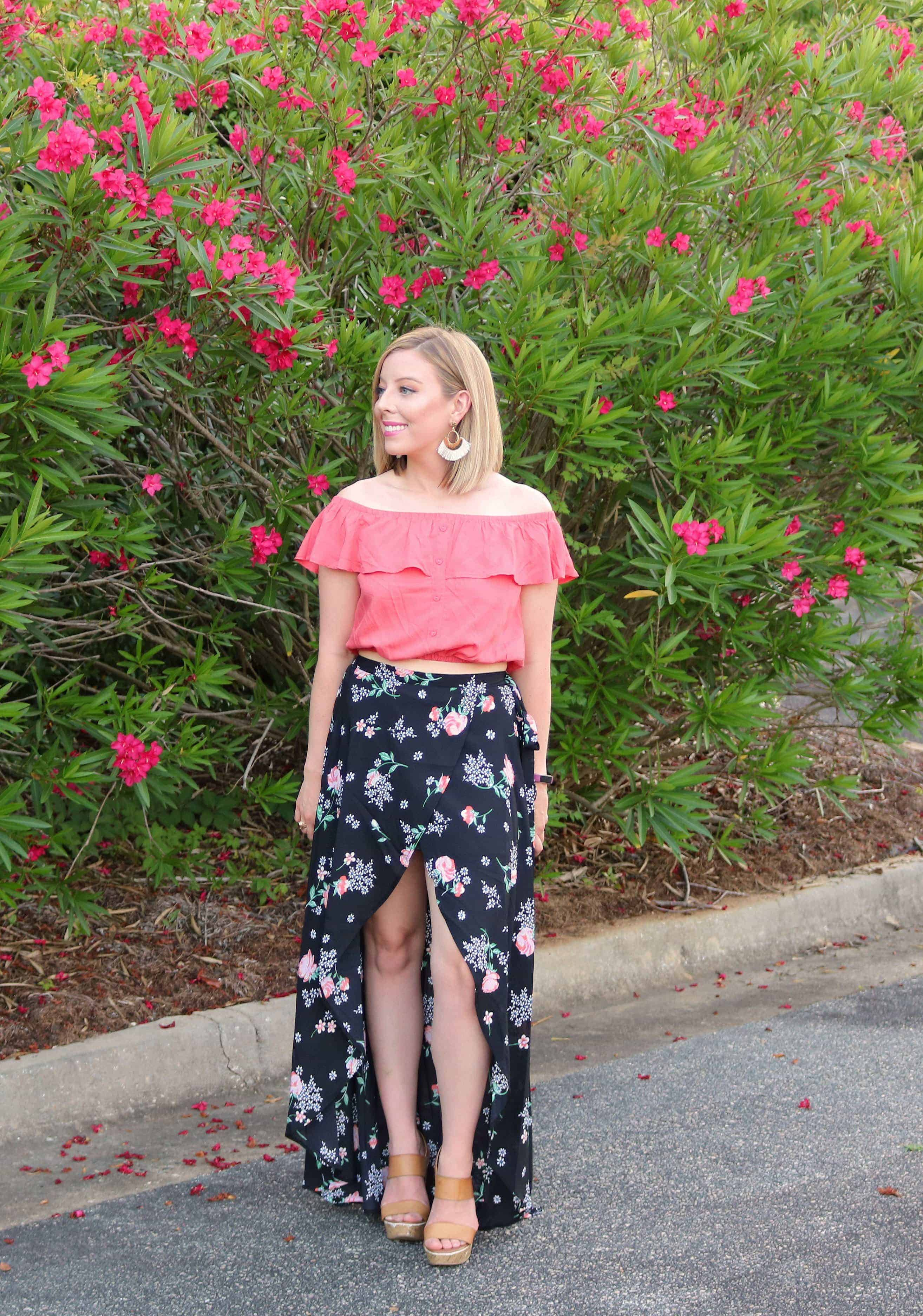 Looking for the latest fashion trends like this floral skirt and off shoulder crop top? Check out my roundup of Summer 2019 Fashion Trends to Wear including cute and affordable outfit ideas you can find at your local Bealls Outlet! #ad #beallsoutlet #summerfashion #springfashion #cuteoutfits