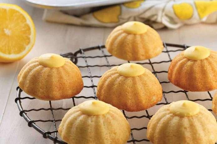 Mini Fluted Lemon Cakes