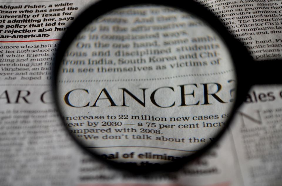 Doença do timo - Sinais e sintomas de tumores de timo