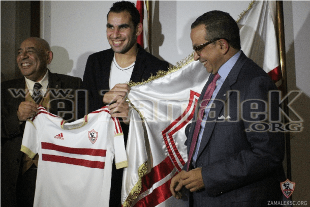 Ahmed Eid signs