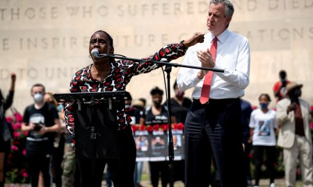 The crowd, by and large, welcomed NYC First Lady Chirlane McCray, while heckling Mayor Bill de Blasio. (Photo by Tsubasa Berg)