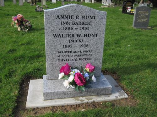 walter and annie headstone from tony baker
