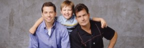 Alan (Jon Cryer), Jake (Angus T. Jones) und Charlie (Charlie Sheen) (v.l.)