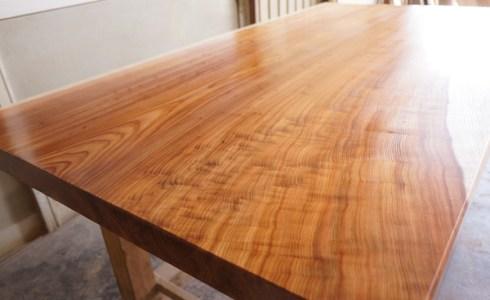 天然杉一枚板テーブル