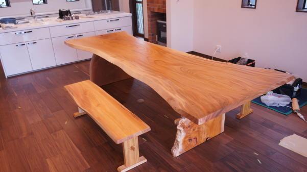 ケヤキ天然木一枚板ダイニングテーブル