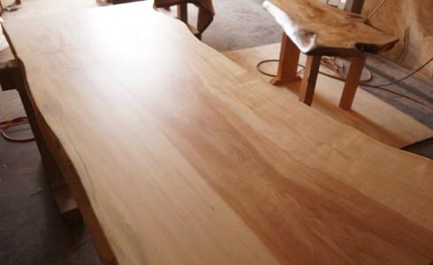 栃の木一枚板