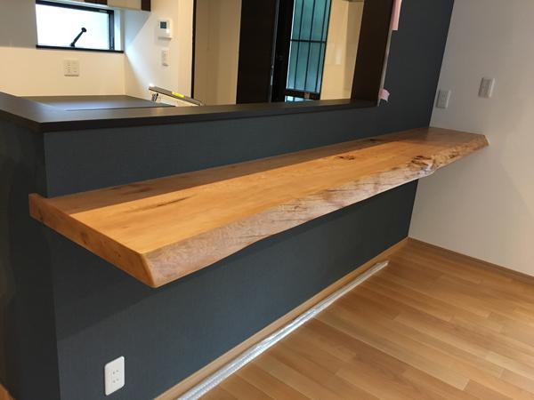 木の一枚板キッチンカウンター