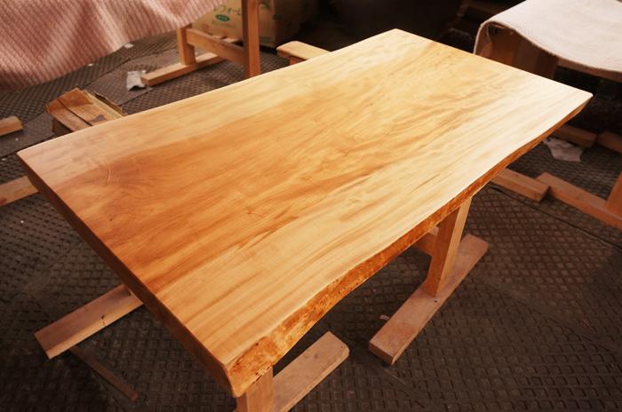 とちのき一枚板テーブル
