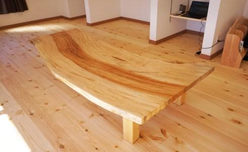 栃一枚板座卓テーブル