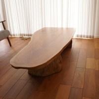 雰囲気良い一枚板テーブル