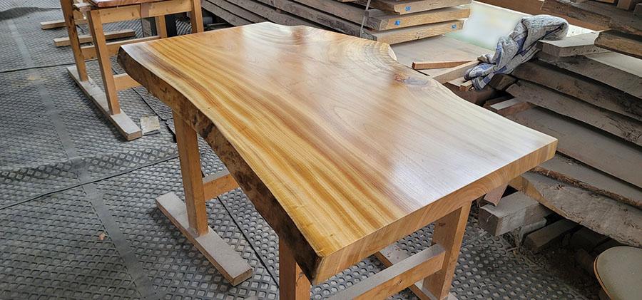 クスノキ無垢一枚板テーブル