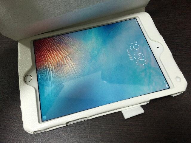 iPad mini4をケースにいれた様子