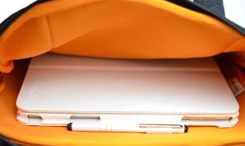 iPadmini4をバッグに入れたところ
