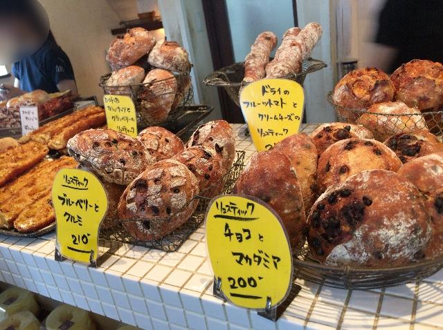 マエジマ製パンの店内
