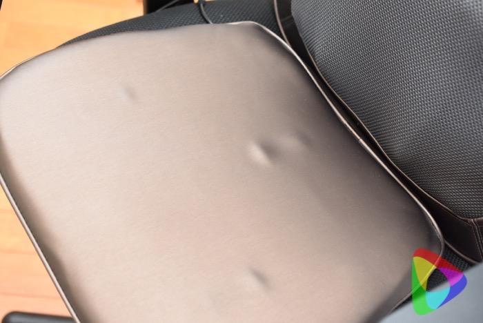 3Dマッサージシートプレミアムの座面バイブ