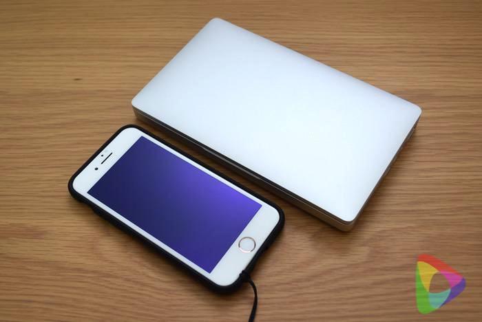GPD-PocketとiPhone8