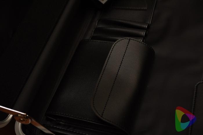 ビジネス向けアタッシュケース「200-BAG155GM」