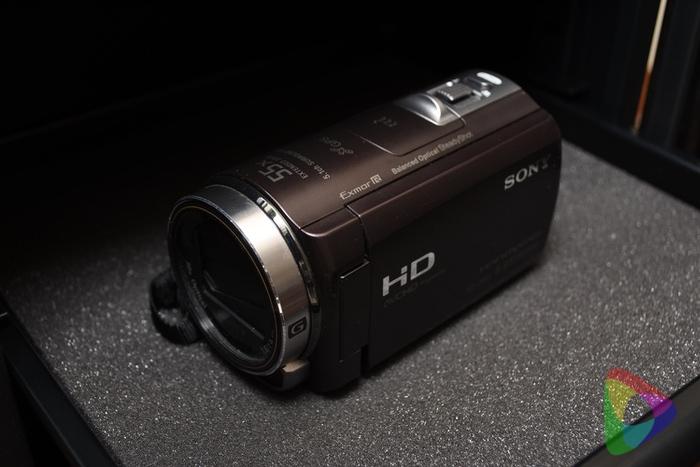 保湿庫にビデオカメラ