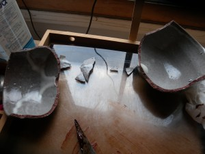 Begin kintsugi repair (8)