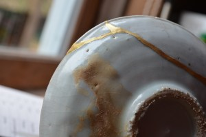 fine powdered gold before and after polishing kintsugi