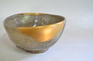 Momoyama kintsugi repaired bowl.