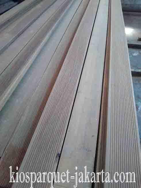 decking kayu ulin2