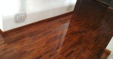 lantai kayu jati terpasang