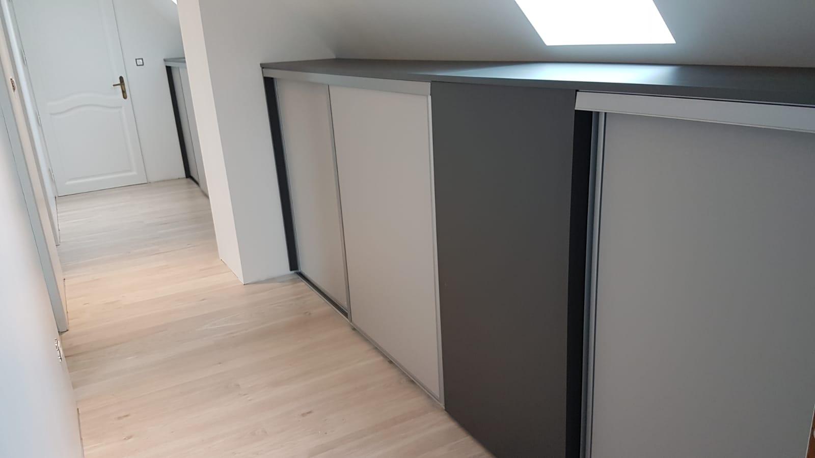 meuble bas avec porte coulissante sous