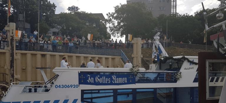 Schiffsprozession | Segen über den Ruhrort Hafen