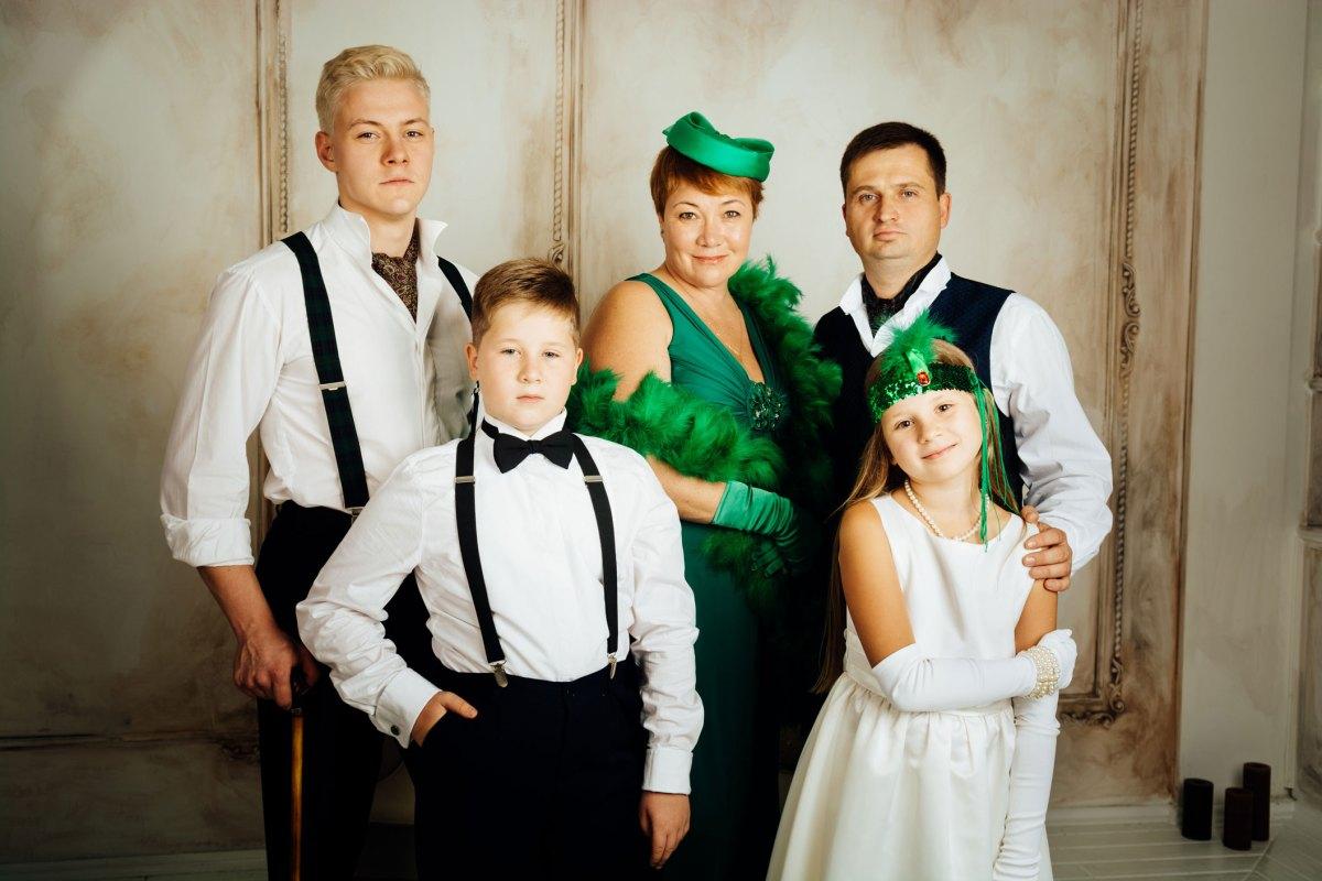 Семейная фотосессия в студии - как это проходит в Киеве 8fc5edee8aa7d