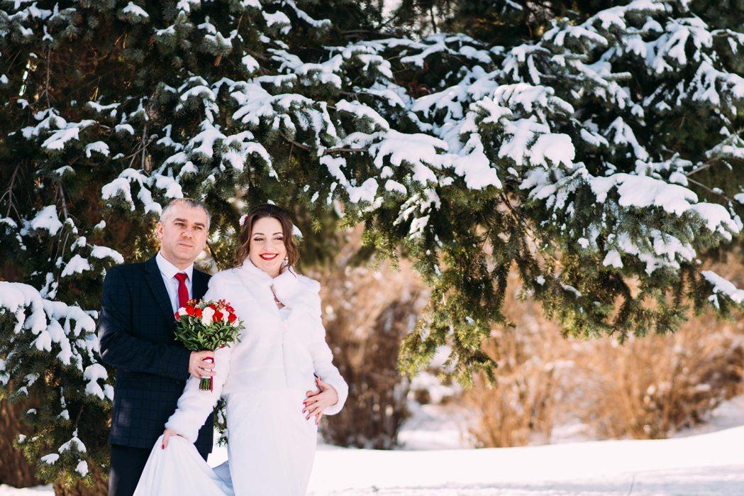 фотосессия свадьбы зимой ботанический сад