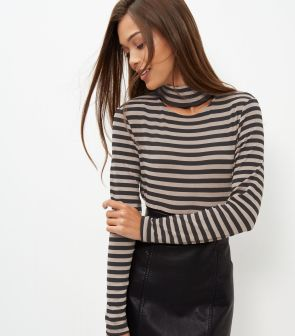 black-stripe-cut-out-choker-long-sleeve-top-