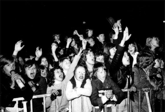 Kiss publik 1976