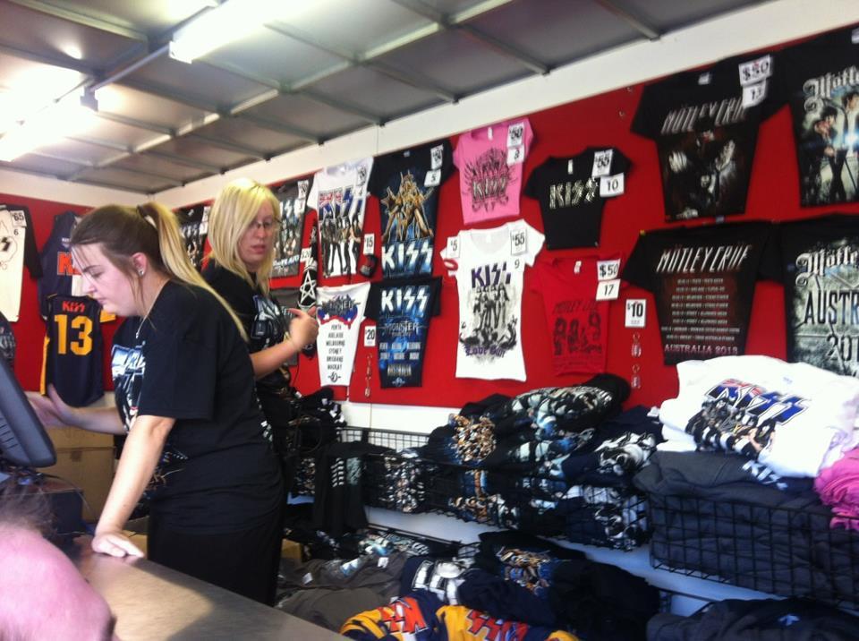 Merchandise stand